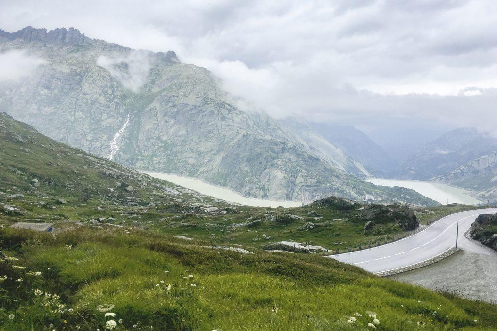 Alpi in Bici 2018 - Veduta sui laghi del Grimsellpass